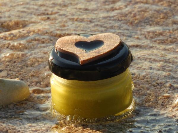 krema od propolisa, bademovog ulja i ekološkog pčelinjeg voska